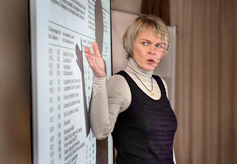 Vortrag ZMV Birgit Sayn «Abrechnung Suprakonstruktionen & Anfragen privater Kostenerstatter». Foto © Dietrich Hackenberg