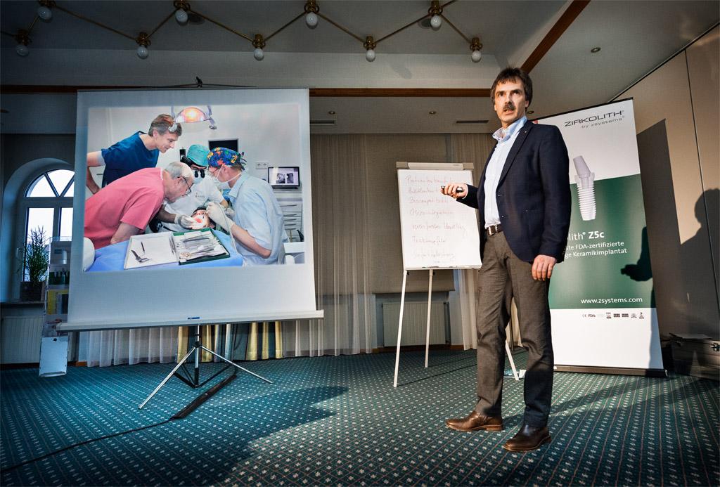 Referent Peter Guntermann - Implantate. Foto Dietrich Hackenberg